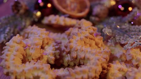 uva passa : Close up shot of Christmas cookies in beautiful decoration