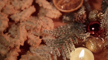 специи : Spritz biscuits Christmas cookies on a decorated table