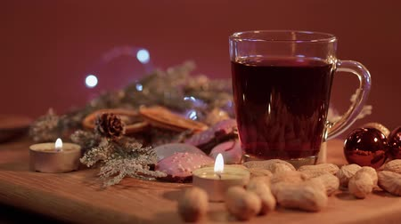 rodzynki : Mulled wine on a Christmas table
