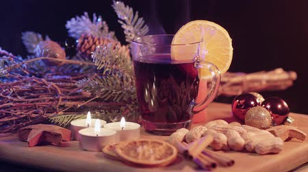 специи : Hot and steaming mulled wine the perfect Christmas punch