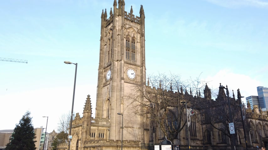 importante : Important landmark in the city the Manchester Cathedral - MANCHESTER, ENGLAND - JANUARY 1, 2019