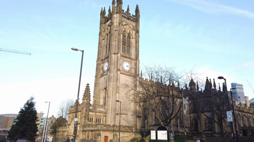 importante : Manchester Cathedral most important church in the city - MANCHESTER, ENGLAND - JANUARY 1, 2019