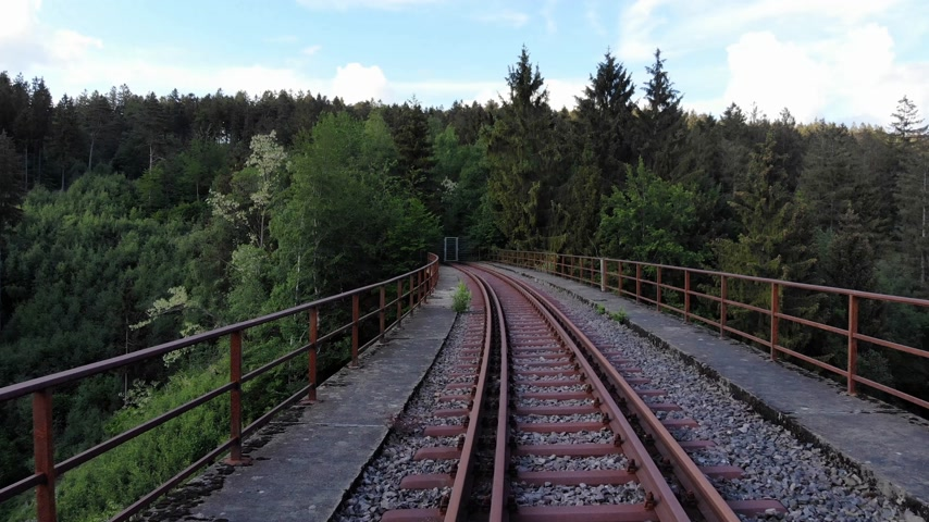 daleko : Flight over abandonned railway tracks