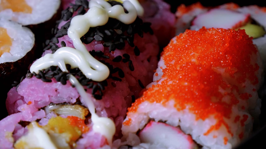 karides : Fresh Sushi rolls- close up shot Stok Video