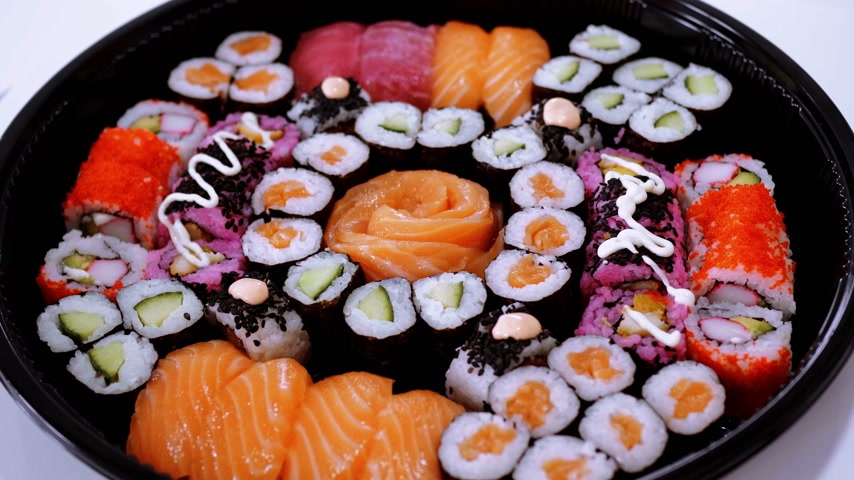 sushirestaurant : Great variety of Sushi on a plate