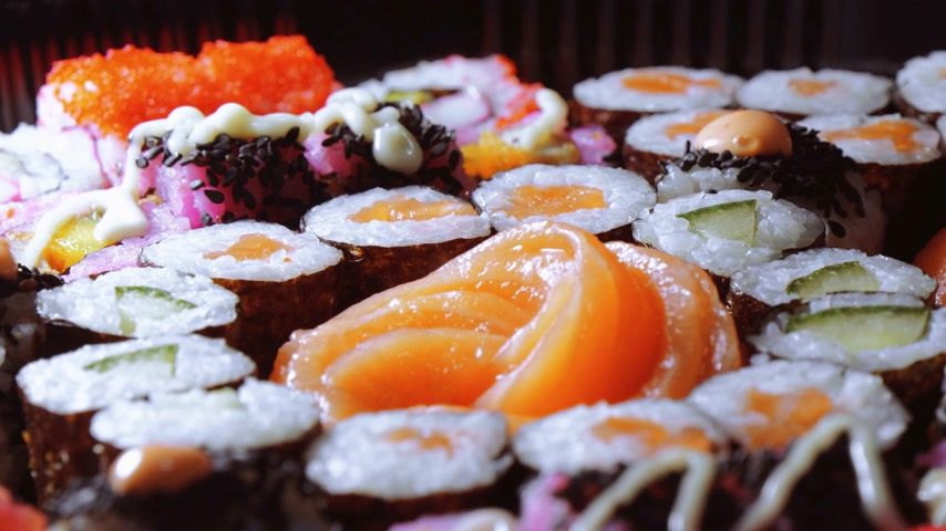 нигири : Varietey of Asian Sushi on a plate