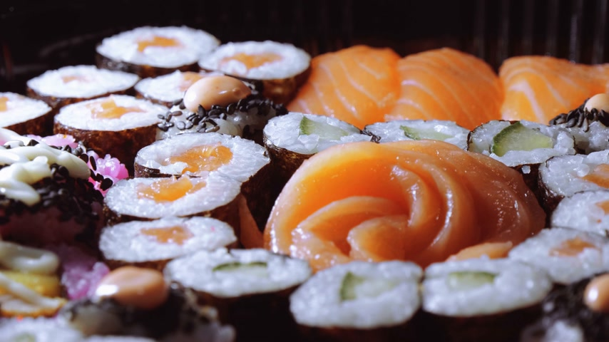 нигири : Typical Asian food - Variety of different Sushi pieces on big plate