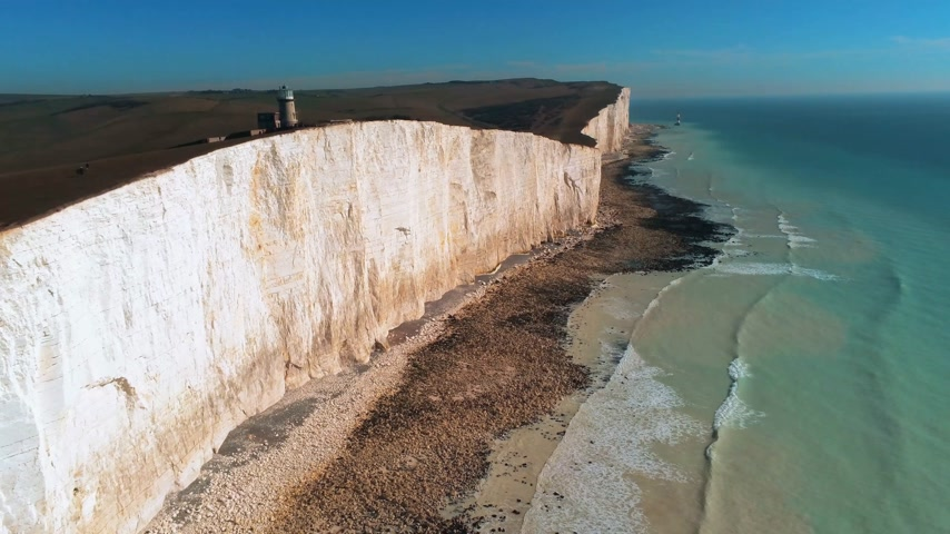 latarnia morska : Flight over the wonderful white cliffs at the South English coast