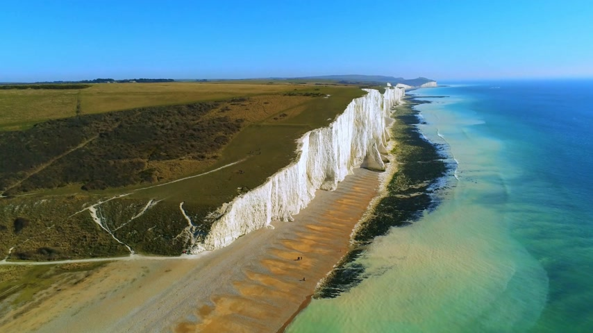erodida : Flight over the white cliffs of Beachy Head and Seven Sisters in England