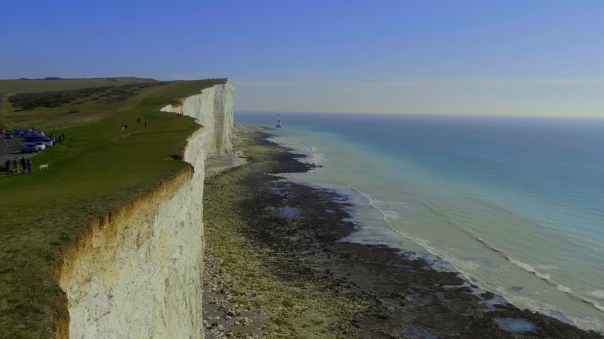 erodida : Famous White cliffs at the English South coast Stock Footage