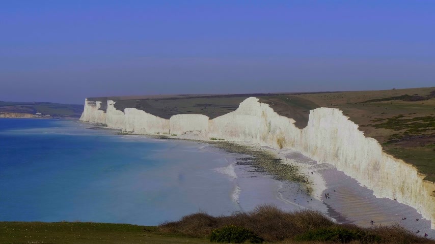 hét : Famous Seven Sisters White Cliffs at the coast of Sussex England