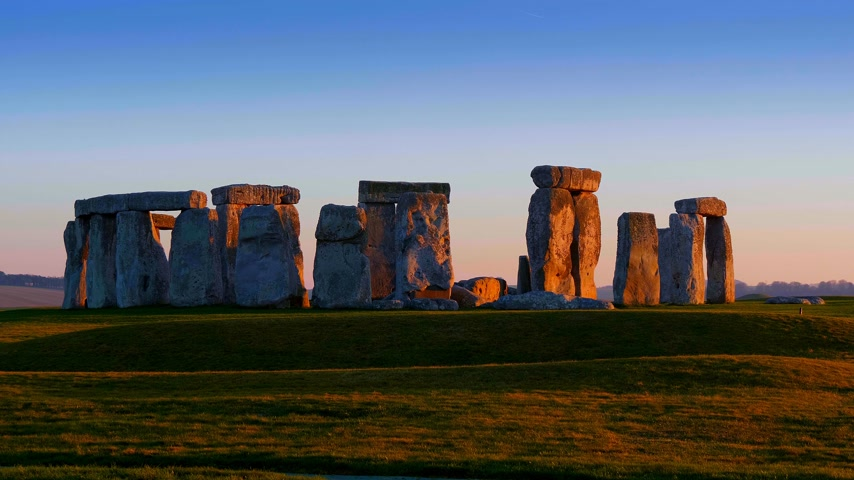 доисторический : Beautiful Stonehenge in England at sunset