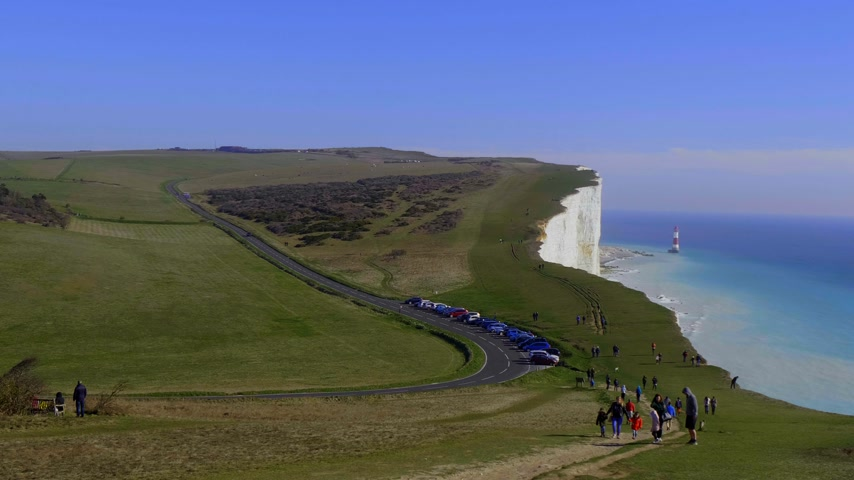 erodida : The white cliffs of Seven Sisters at the south coast of UNITED KINGDOM - EASTBOURNE, UNITED KINGDOM - FEBRUARY 21, 2019