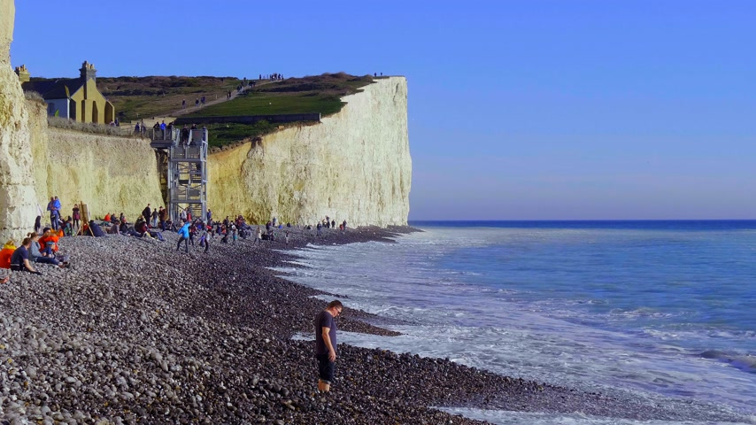 erodida : Burling Gap at Seven Sisters coast in Sussex - EASTBOURNE, UNITED KINGDOM - FEBRUARY 21, 2019