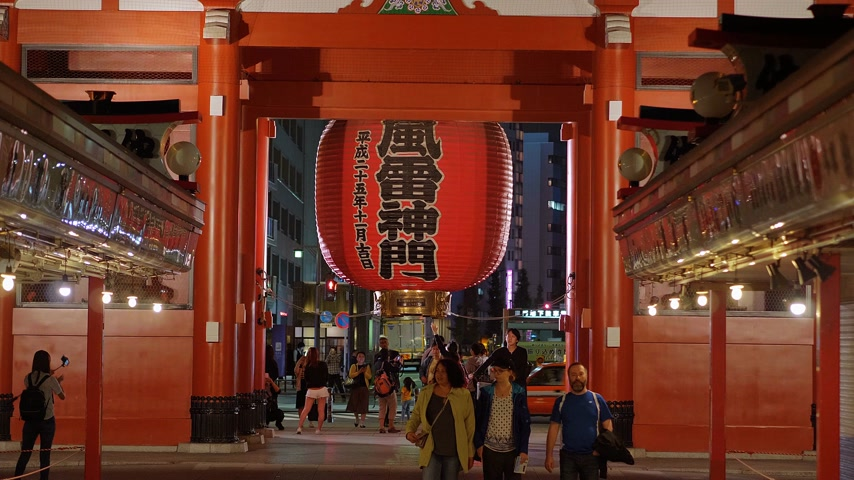 shinto : Most famous temple in Tokyo - Senso-Ji temple at night - TOKYO, JAPAN - JUNE 12, 2018 Stock Footage
