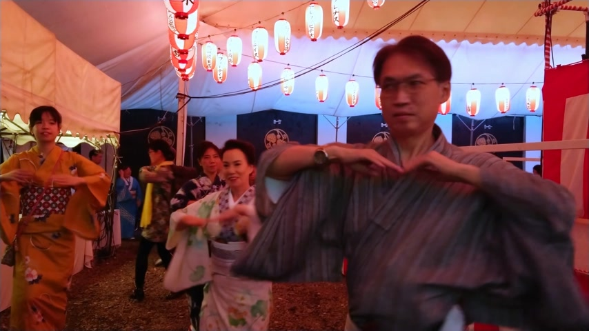 biesiada : Traditional Japanese dance at an annual feast at Hie Shrine in Tokyo - TOKYO, JAPAN - JUNE 15, 2018 Wideo