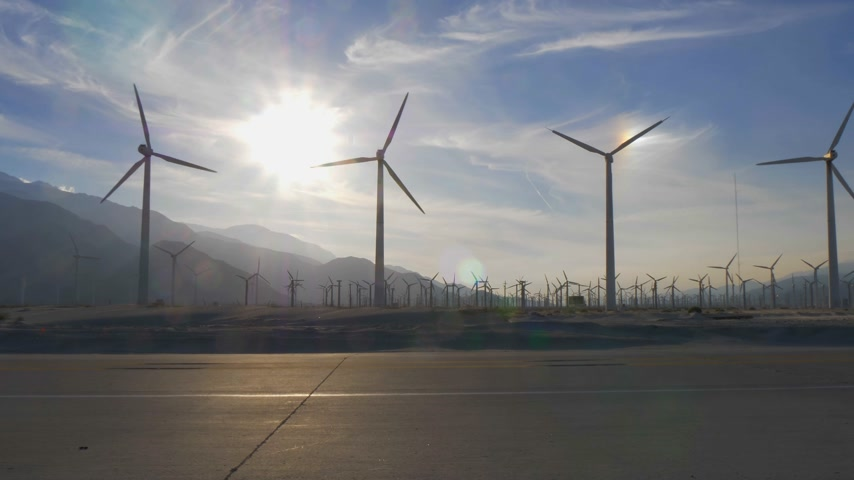 rugók : The windmills of Palm Springs in California