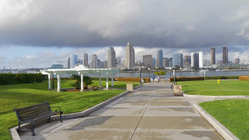 barışçı : Centennial Park Coronado with San Diego Skyline viewpoint - CALIFORNIA, USA - MARCH 18, 2019
