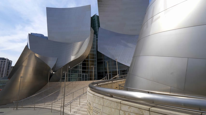philharmonic : Modern architecture of Disney Concert Hall in Los Angeles - CALIFORNIA, USA - MARCH 18, 2019 Stock Footage