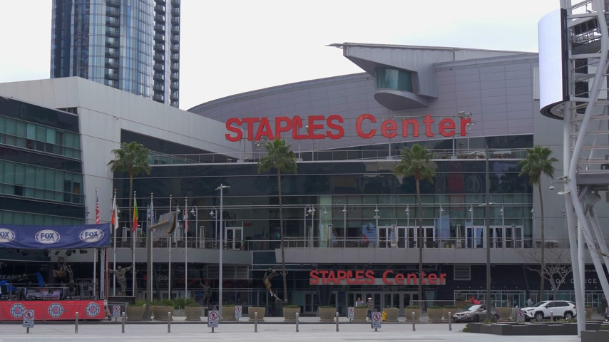 오후에 : Staples Center Arena at Los Angeles Downtown - CALIFORNIA, USA - MARCH 18, 2019