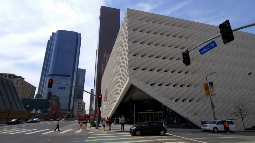 높은 각도 : The Broad Art Museum at Los Angeles Downtown - CALIFORNIA, USA - MARCH 18, 2019 무비클립