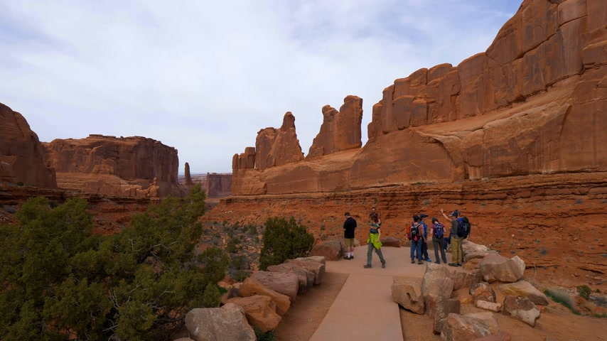 moab : Tourists visit the Arches National Park in Utah - UTAH, USA - MARCH 20, 2019