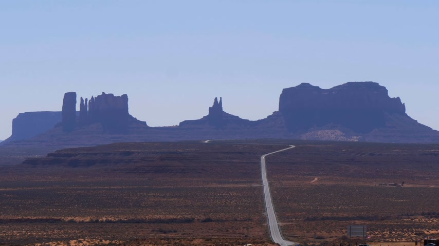 pryzmat : Endless road to Monument Valley in Utah