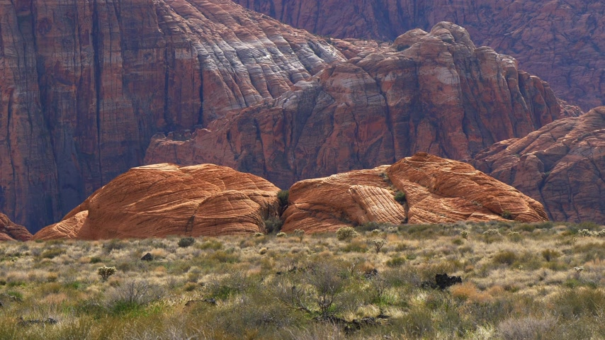maagd : Red mountains at Snow Canyon in Utah Stockvideo