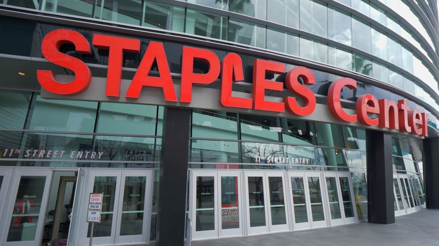 redondel : Staples Center Arena en Los Angeles Downtown - CALIFORNIA, EE. UU. - 18 DE MARZO DE 2019