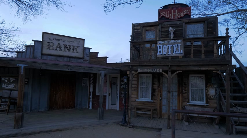 resmedilmeye değer : Famous Pioneertown in California in the evening - CALIFORNIA, USA - MARCH 18, 2019 Stok Video