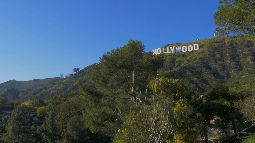 los angeles skyline : Hollywood sign in the hills of Hollywood - CALIFORNIA, USA - MARCH 18, 2019