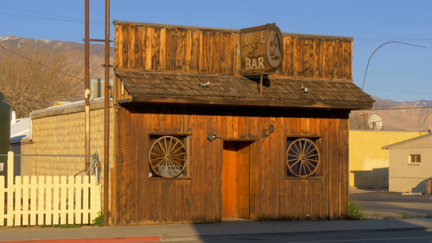 piskopos : Wild West Bar in the historic village of Lone Pine - LONE PINE CA, USA - MARCH 29, 2019