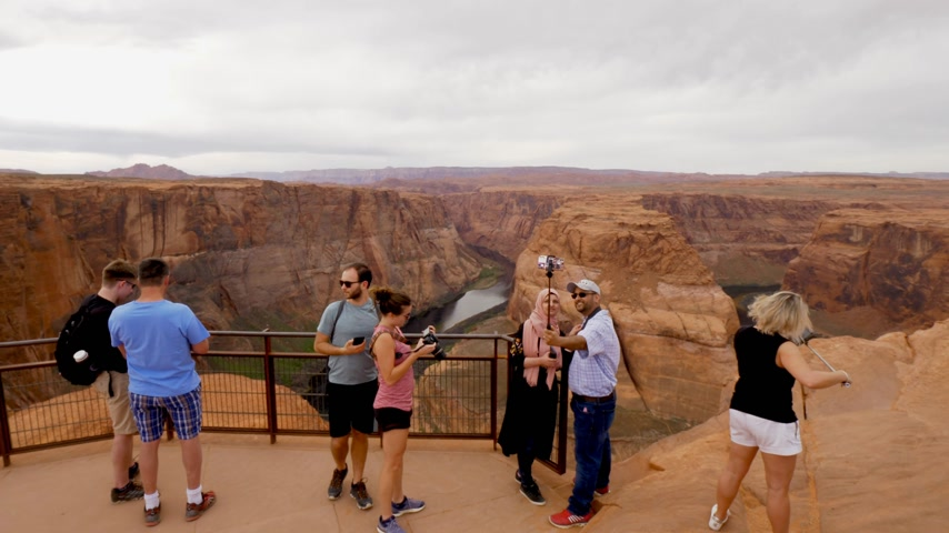 podkowa : Visiting the Horseshoe Bend in Arizona - PAGE, USA - MARCH 29, 2019