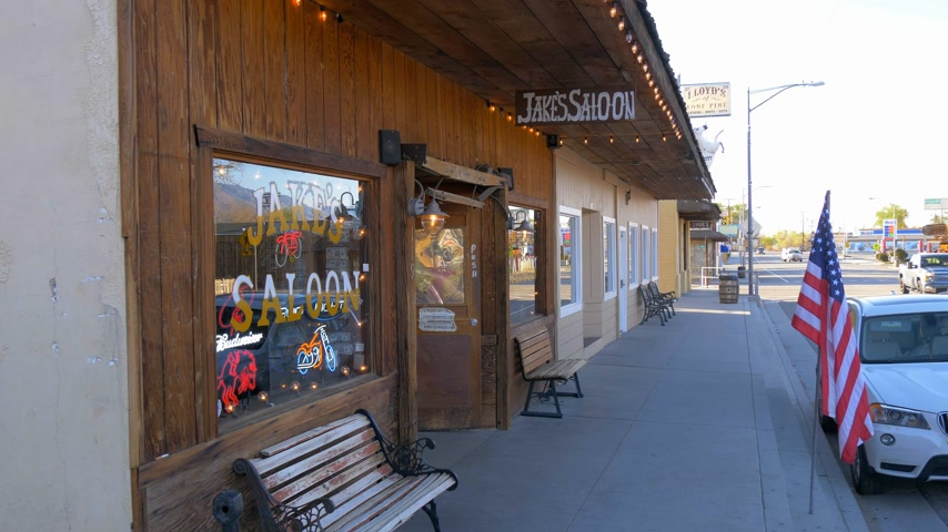 eastern sierra : Jakes Wild West Saloon in the historic village of Lone Pine - LONE PINE CA, USA - MARCH 29, 2019