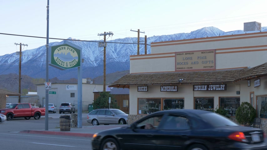 eastern sierra : Indian jewelery and gift store in the historic village of Lone Pine - LONE PINE CA, USA - MARCH 29, 2019