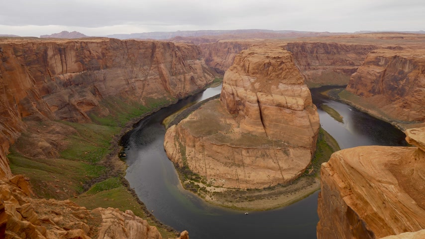 bordi : Vista grandangolare sopra Horseshoe Bend in Arizona