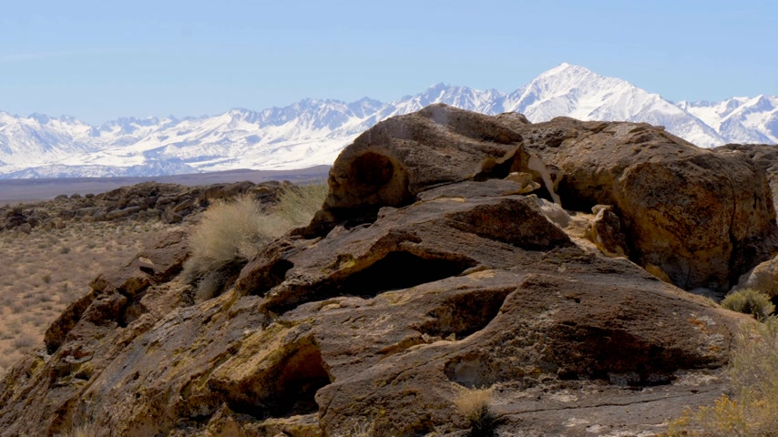 nativo americano : Ancient Petroglyphs at Chalfant Valley in the Eastern Sierra
