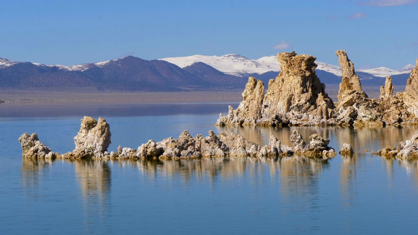 mono lake : Amazing columns of limestone at Mono Lake in Mono County