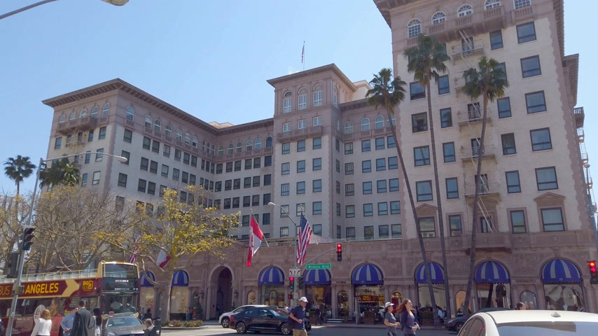 couture : Beverly Wilshire Hotel in Beverly Hills - LOS ANGELES, USA - APRIL 1, 2019 Stock Footage
