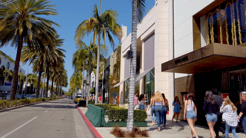 retailer : Exclusive stores at Rodeo Drive in Beverly Hills - LOS ANGELES, USA - APRIL 1, 2019 Stock Footage
