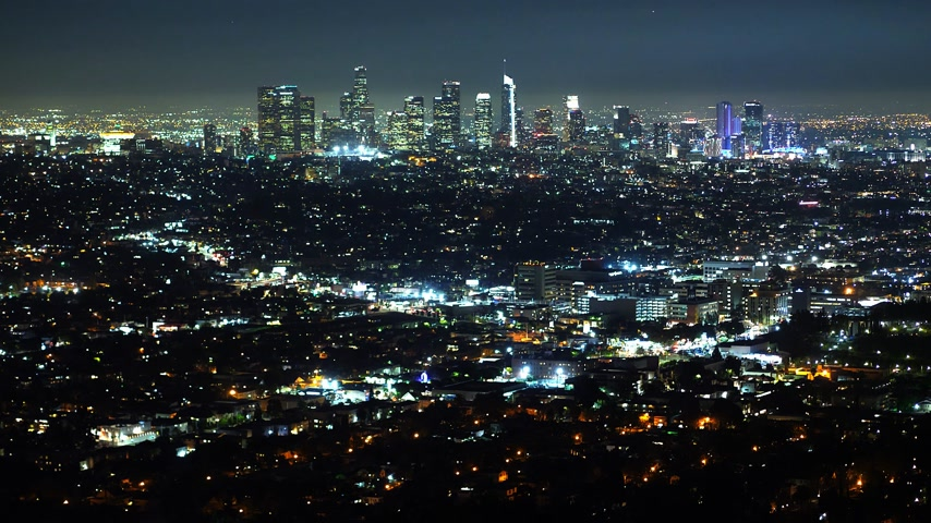 로스 앤젤레스 : Aerial view over Los Angeles by night