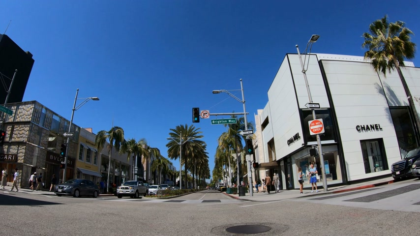 オートクチュール : Driving on Rodeo Drive in Beverly Hills - LOS ANGELES. USA - MARCH 18, 2019