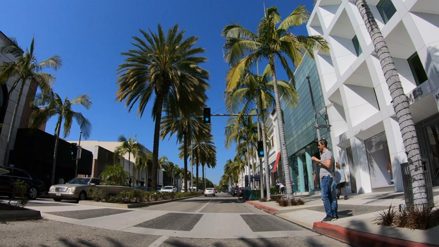 affluent : Driving on Rodeo Drive in Beverly Hills - LOS ANGELES. USA - MARCH 18, 2019