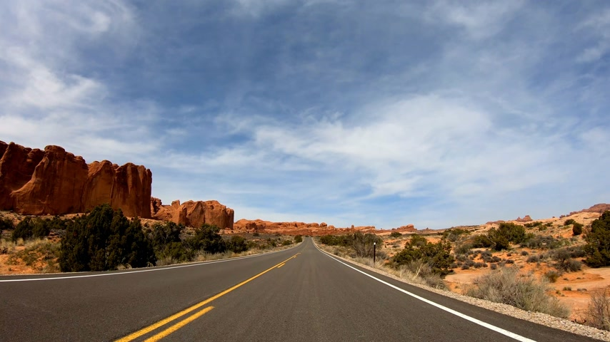 erozyon : Road trip at Snow Canyon in Utah Stok Video