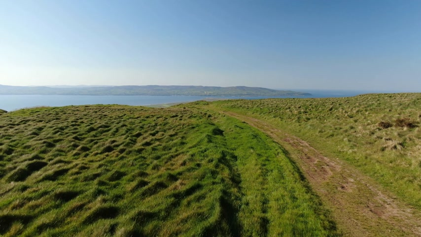 irlandês : Ireland drone footage - Binevenagh in North Ireland Stock Footage