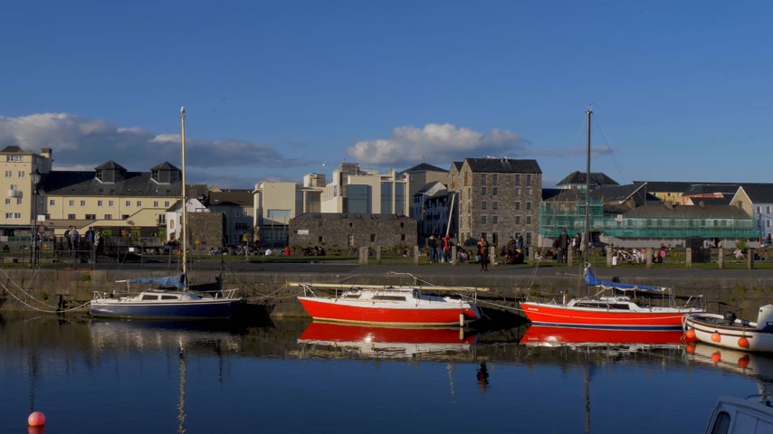 náutico : Small boats at Galway Claddagh - GALWAY, IRELAND - MAY 11, 2019