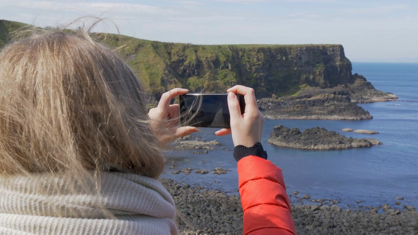 divu : Giants Causeway - a popular landmark in Northern Ireland Dostupné videozáznamy