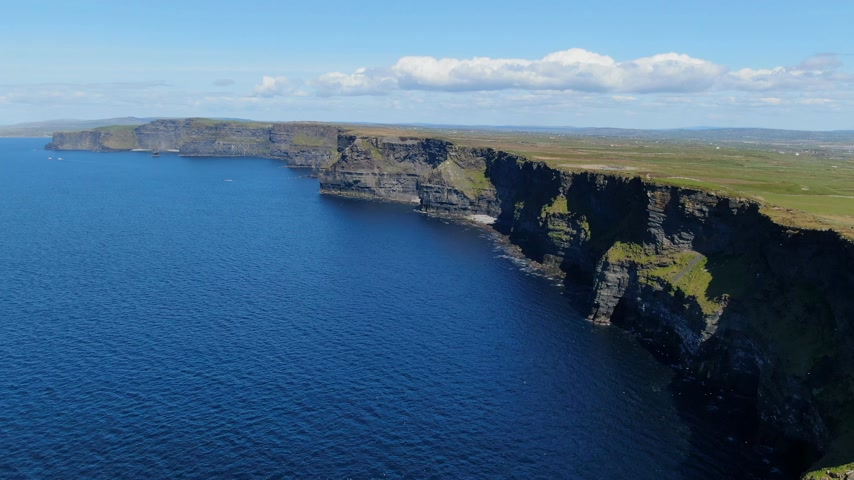 eire : Aerial view over the famous Cliffs of Moher in Ireland Stock Footage