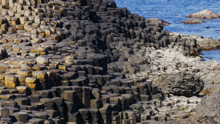 divu : The typical rock formations of Giants Causeway in Northern Ireland