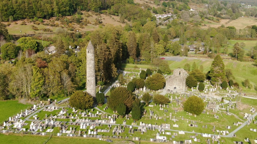 látnivalók : Drone flight over Glendalough - the famous landmark in Ireland